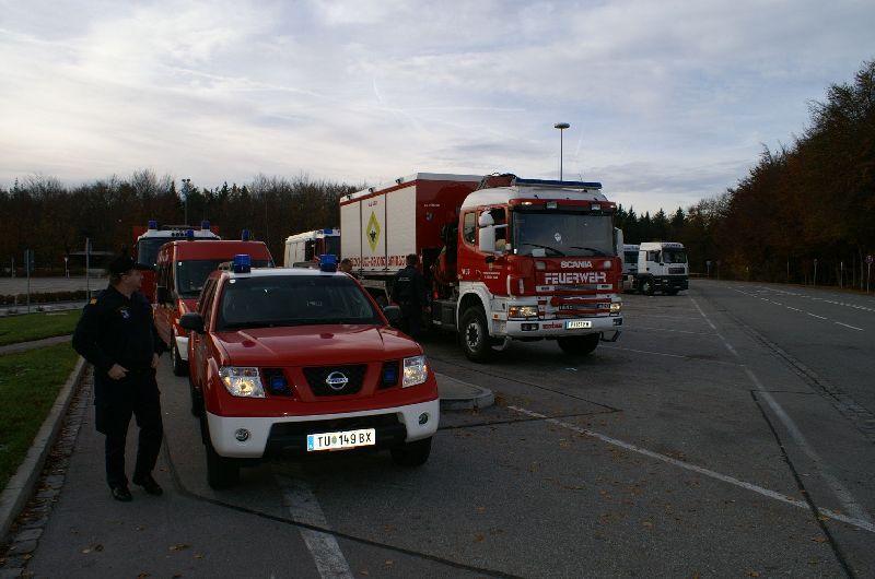 Vor der Einfahrt ins Betriebsgelände (Foto: romsn)